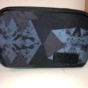 3/$15 ☘️ NEW- Buffalo Men's Toiletries Bag